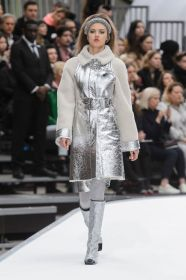 defile-chanel-automne-hiver-2017-2018-11_5838623